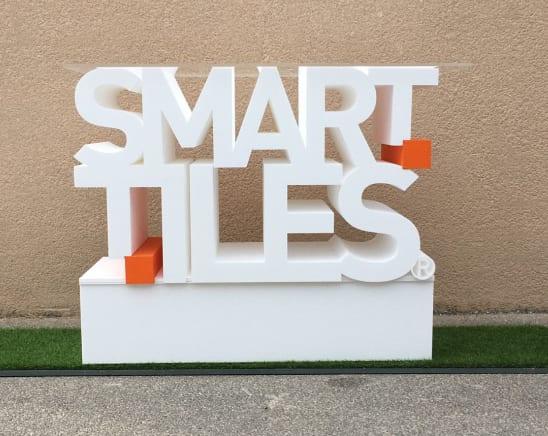 smart-tiles-desk-banque-daccueil